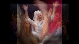 Hari Har -  Snatam Kaur - (Wonderful Spiritual Music Dance)