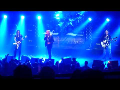 Saxon   Call To Arms Paris 2011