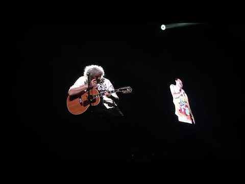 Queen - Love Of My Life (Freddie's Appearance)(4K)@Altice Arena 2018