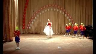 Танец 'Белоснежка и семь гномов'.avi