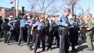 Kansas City Police Flash Mob Surprises Crowd With 'Electric' Dance