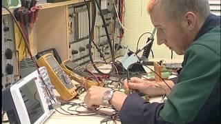 видео Должностная инструкция слесаря-электрика по ремонту электрооборудования