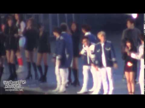 Crazy Hyoyeon Yuri & Key SMTown Shanghai