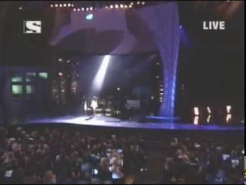 lindsay lohan confessions of a broken heart live at ama 2005