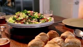 Крестьянский обед от Гордона Рамзи :  Крестьянский салат  и хлеб на пиве