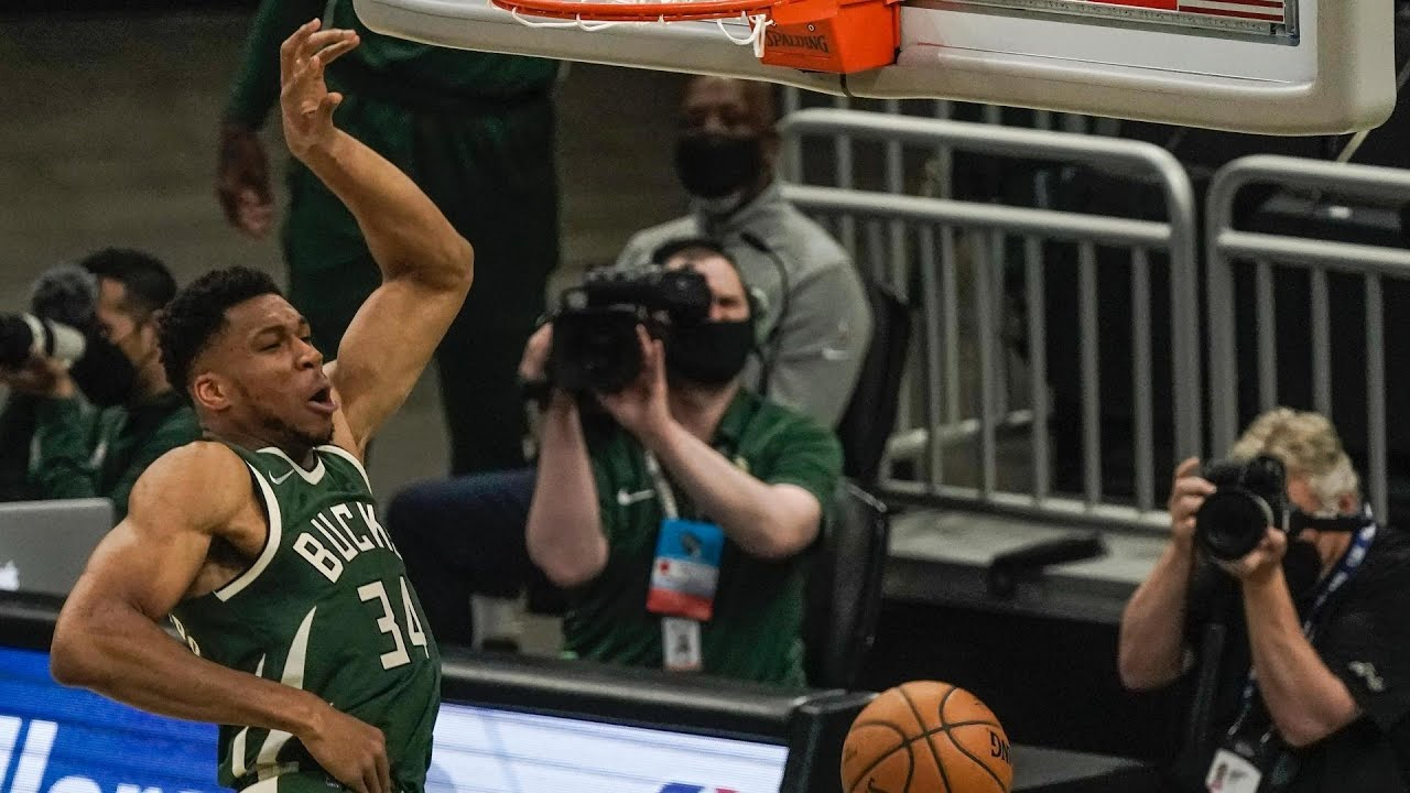 Bucks Star Giannis Electrifies With Early Poster Dunk On Nets Kevin Durant Youtube