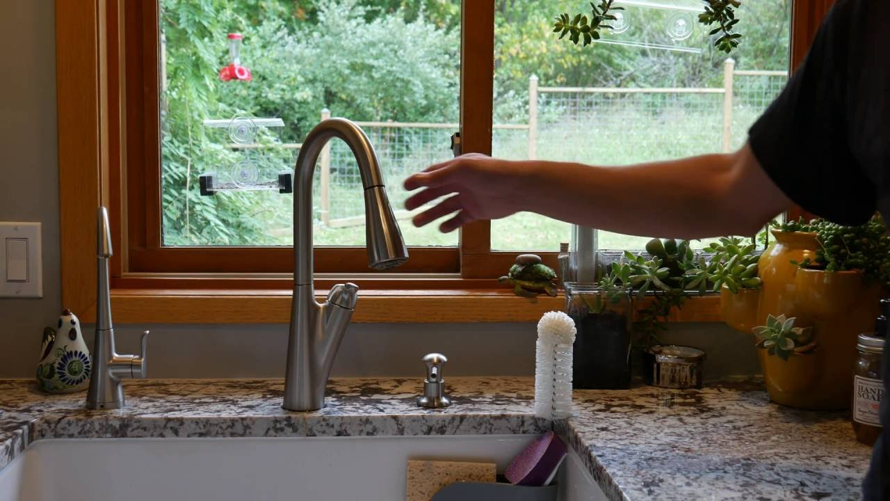 Fix A Pull Down Faucet That Won T Retract Pull Out Faucet Repair