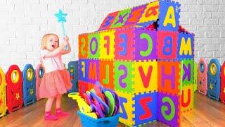 Английский алфавит и другие детские песни | Сборник песен для детей от Кати и Димы