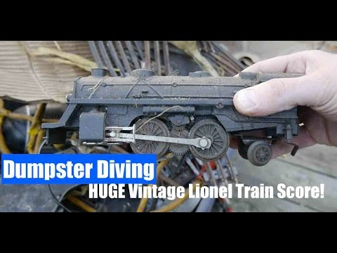 Model Railway Toy Train Track Plans -Super Dumpster Diving- Vintage Lionel Train Set MOTHERLOAD!