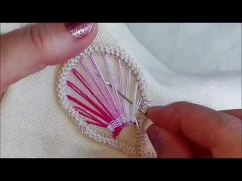Macramè rumeno: riempimento petalo di un fiore / Romanian point lace: flower's petal filling