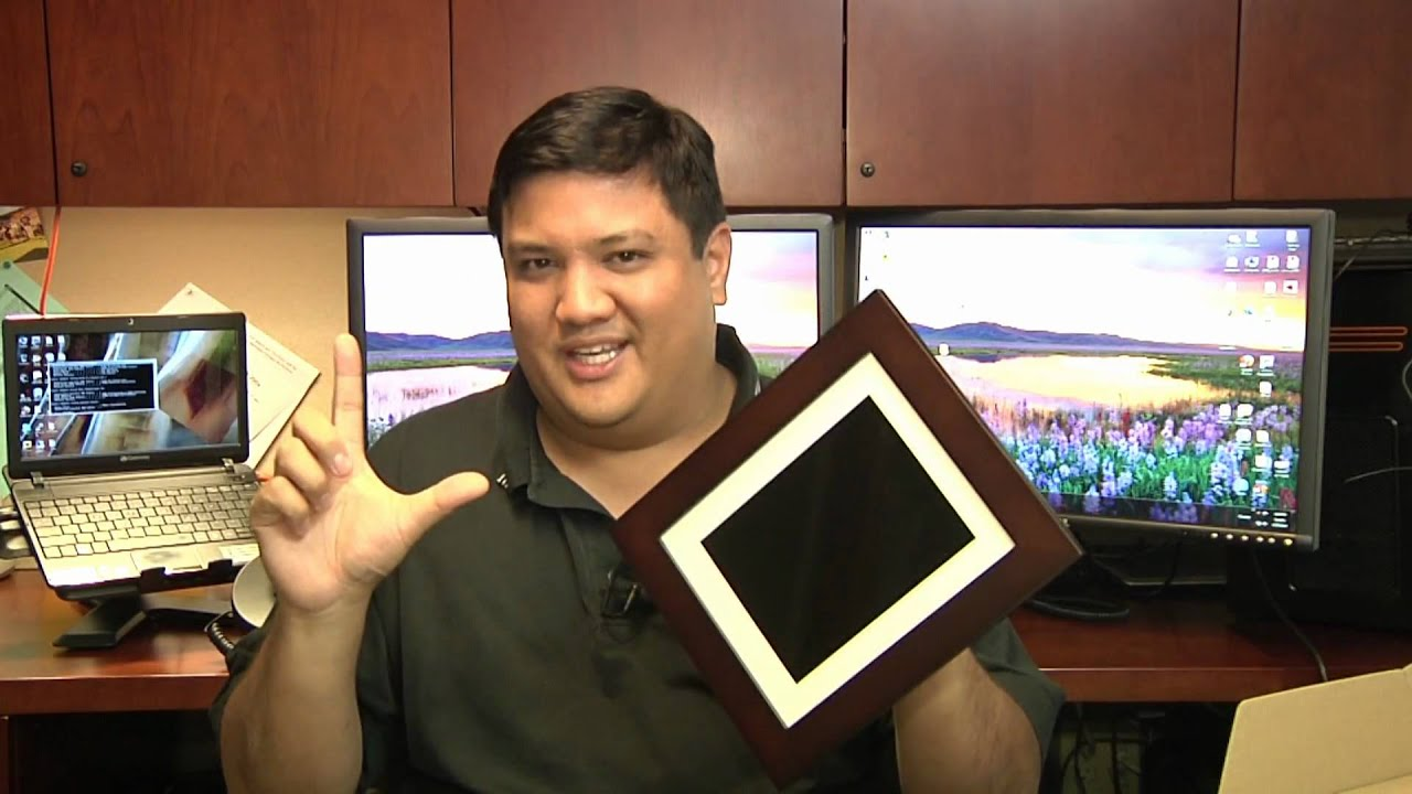 Gadget First Look Pandigital Photo Mail Picture Frame Youtube