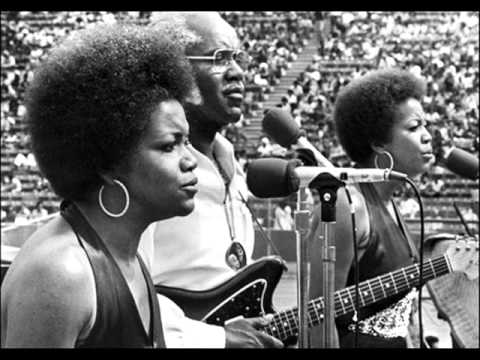 The Staple Singers - Top Of The Mountain 1968 Wmv