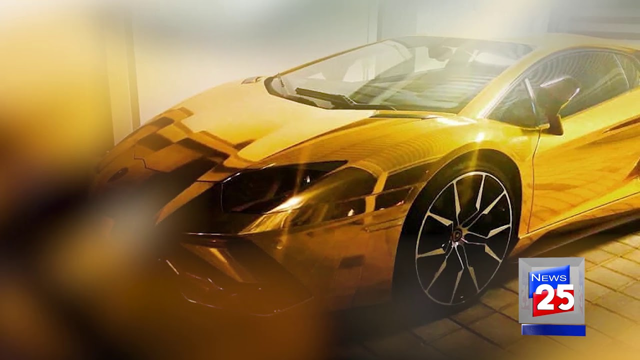 First Gold Car Import In Pakistan Channel 25 News Youtube