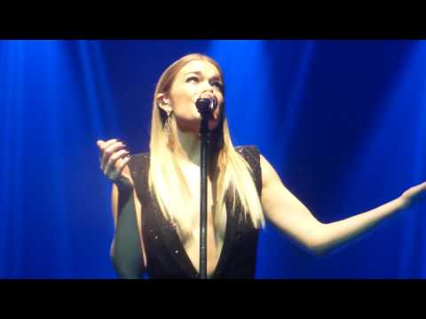 LeAnn Rimes  I Need You   At The London Palladium  Sat 18th Feb 2017