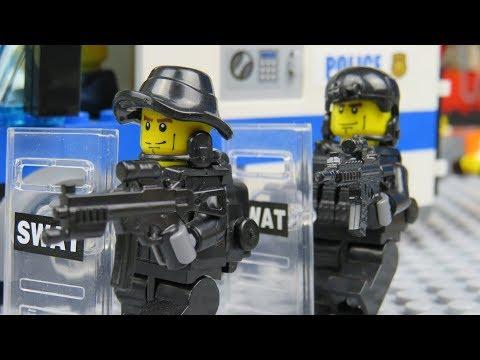 Lego SWAT- The Robbery thumbnail