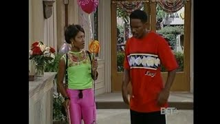 Res:480- Monica Calhoun in Shiny Glossy Lycra Spandex Legging; Jamie Foxx Show S3E4:Swing Out Sister