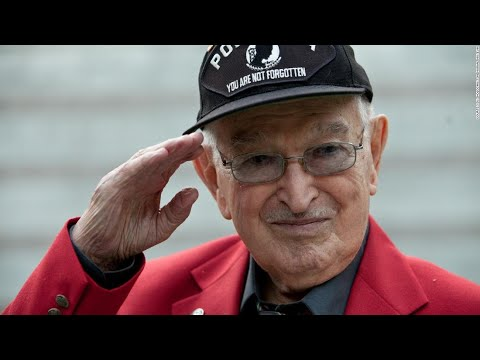 Medic who documented Nazi camp horror dies at 93