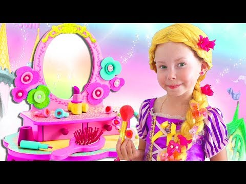 Alice Pretend Princess Rapunzel & Plays in the kids hair salon!