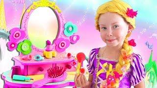 Alice Pretend Princess Rapunzel & Plays in the kids hair salon!