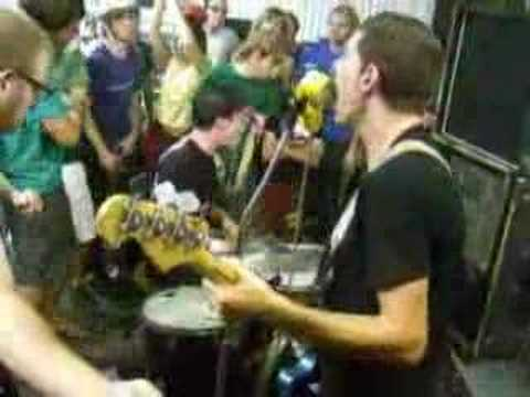 japanther  challenge REPRISE @ hot iron press