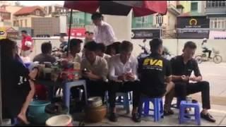Xôn xao clip chủ quán trà đá ở Hà Nội dùng nước rửa chân bán cho khách gây sốc