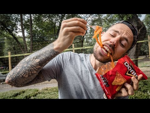 EATING DORILOCOS IN MEXICO CITY | STRANGE MEXICAN STREET FOOD