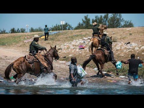 شاهد: صور لخيالة أميركيين من حرس الحدود -يجمعون مهاجرين كالقطعان- تثير سخطاً…