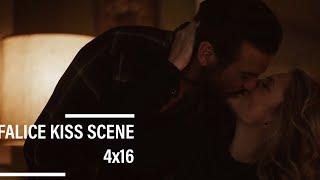 Riverdale 4x16 Falice kiss scene