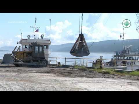 Будни Ленского речного порта