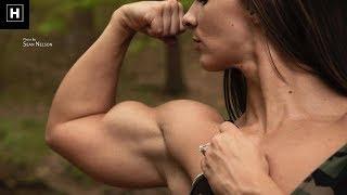Female Bodybuilder With MASSIVE NATURAL BICEPS   Blakelee Ortega