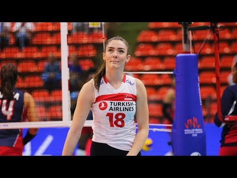 Beautiful and Talented Volleyball Player | Zehra Gunes (HD)