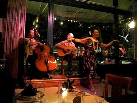 Stephi Mahelona, Hula with Jerry Santos & Hoku Zuttermeister