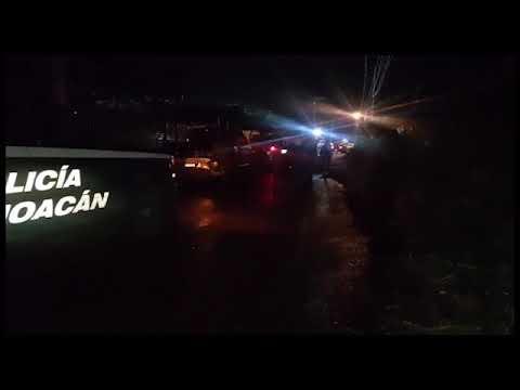 VIDEO Hombre es muerto a cuchilladas en una casa de Apatzingán