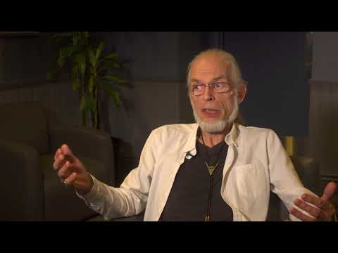 Topographic Drama - Steve Howe Q&A 9/9 & Roundabout (live excerpt)