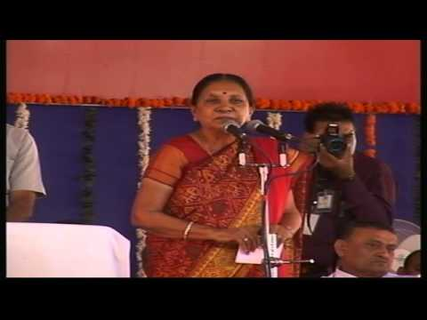 Gujarat CM Anandiben Patel attends a Women Convention at Una in Gir-Somnath