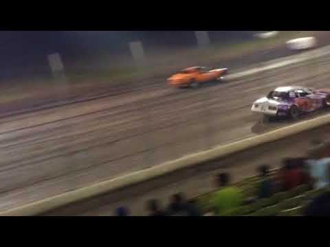 Lane Chew feature race at lakeside speedway 9/8/17