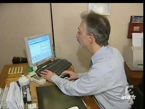 Boite à images - michael réveille sa copinede YouTube · Durée:  3 minutes