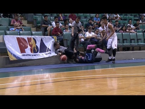 Referee got a taste of action | PBA Philippine Cup 2018