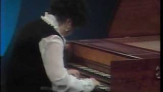 rosalyn tureck plays and analyzes the fugue in b flat major bwv 866 by jsbach