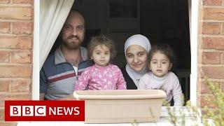 Coronavirus: Lockdown lives behind each door - BBC News