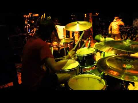 Mark Mironov of Betraying The Martyrs playing drums for Stray From The Path