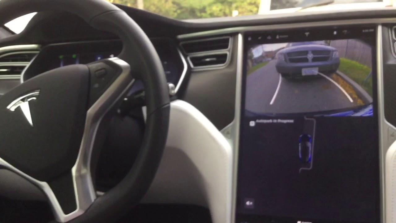 Parallel Parking on Tesla Model S - YouTube