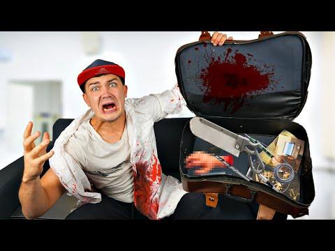 Купили на аукционе потерянный чемодан учёного убийцы