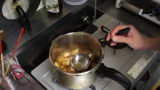 ギトギトの油を残さず回収してヘルシーで食べやすい角煮の作り方です.