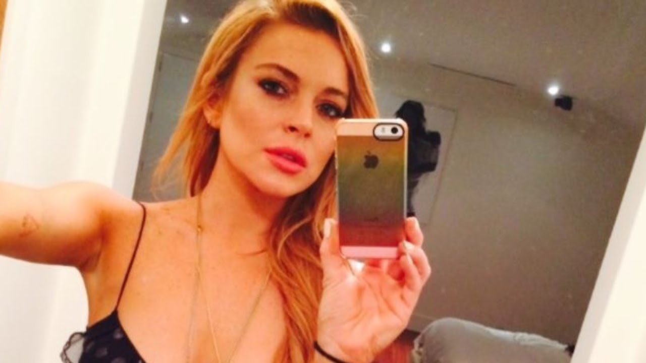 FIRST LOOK: Lindsay Lohan's OWN Series! - YouTube
