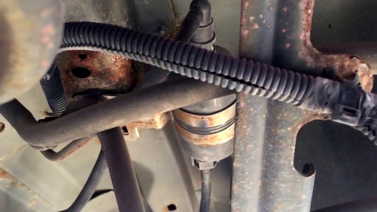 jeep grand cherokee v8 fuel filter replacement [ 1280 x 720 Pixel ]