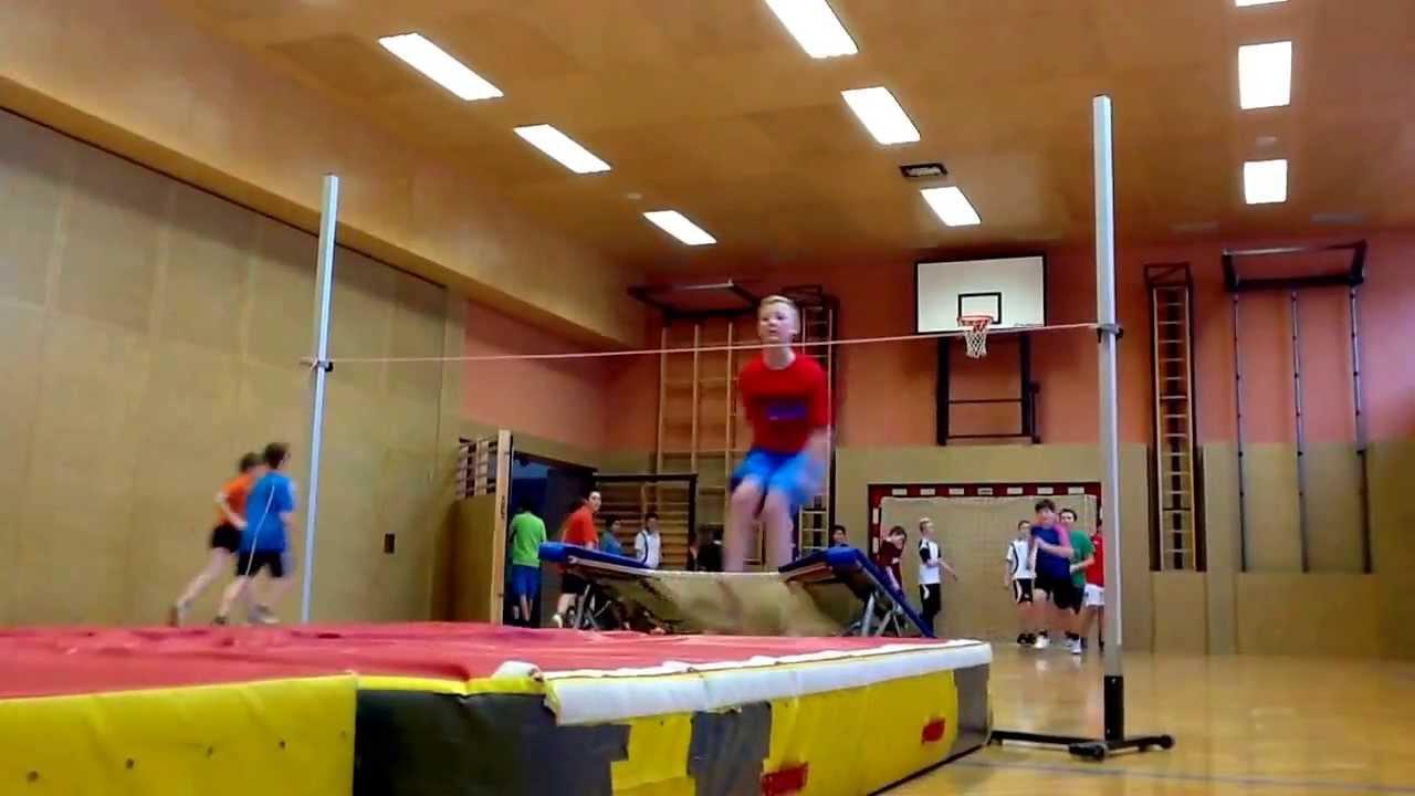 bewegung und sport 3 klasse hochsprung mit trampolin in schneller abfolge youtube. Black Bedroom Furniture Sets. Home Design Ideas