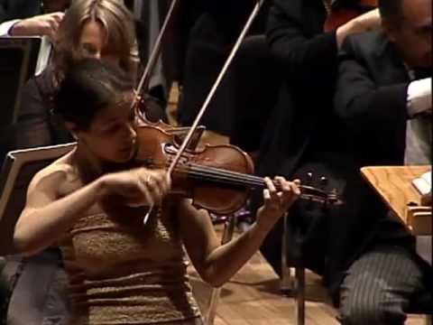 Natasha KORSAKOVA plays Shostakovich Violin concerto no. 1/4 Mvt. (Burlesca) in Mexico City