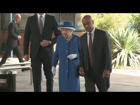 Queen and Prince William visit Grenfell fire refuge centre