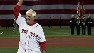 Yaz throws out ceremonial first pitch